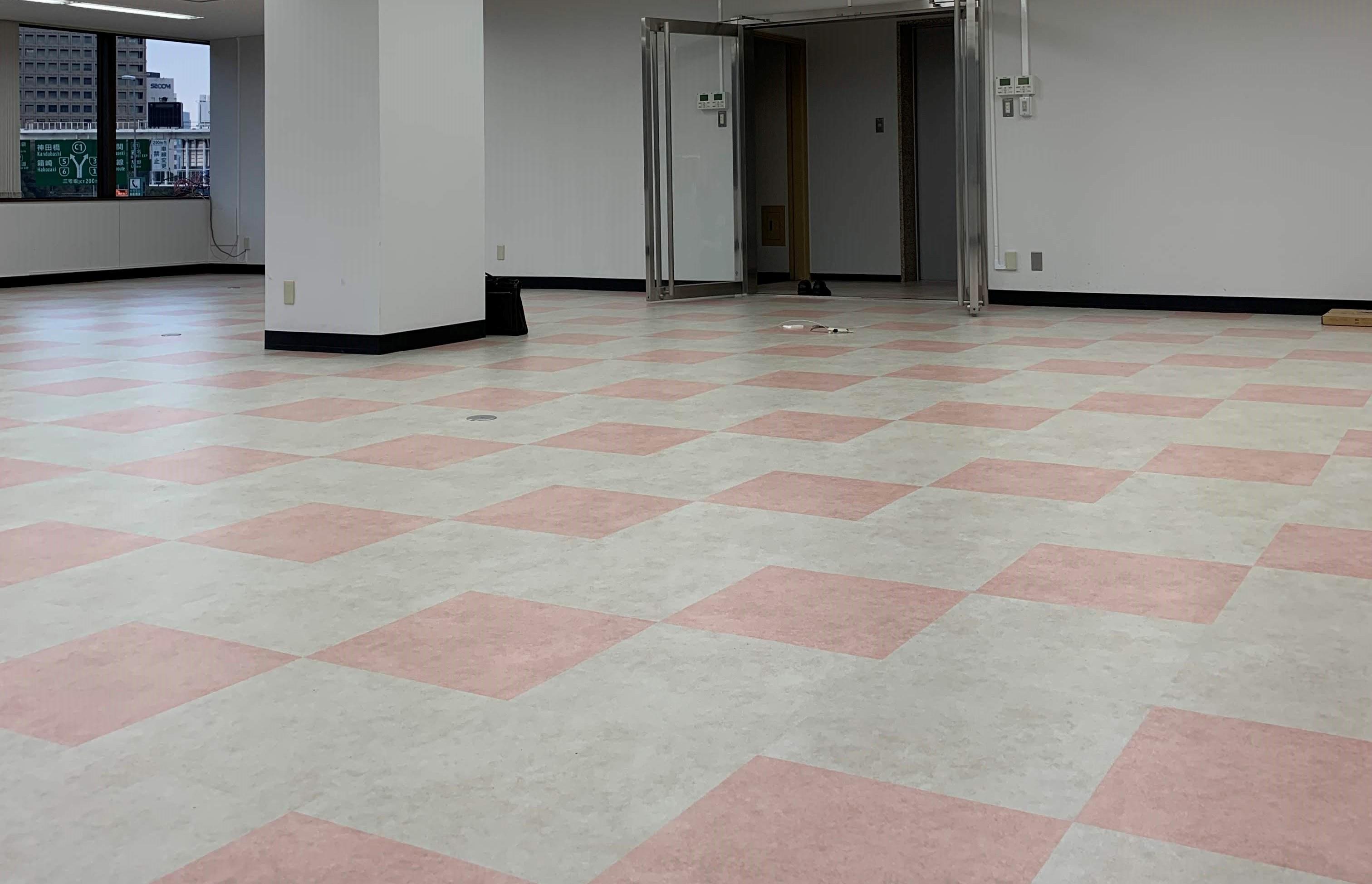 オフィス移転に伴う床の張替え工事